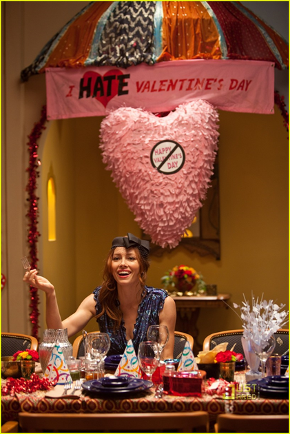 635275829214886134new-valentines-day-movie-stills-jennifer-garner-jessica-alba-taylor-swift-julia-roberts-07