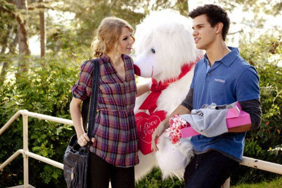 Taylor-lautner-and-Taylor-Swift-Valentines-Day-Movie-Still